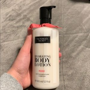 Victoria's Secret hydrating body lotion in ROSE